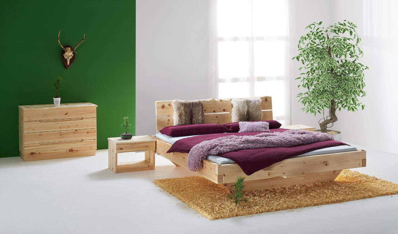 Dieses Foto zeigt das Zirbenholzbett Kitzbühel